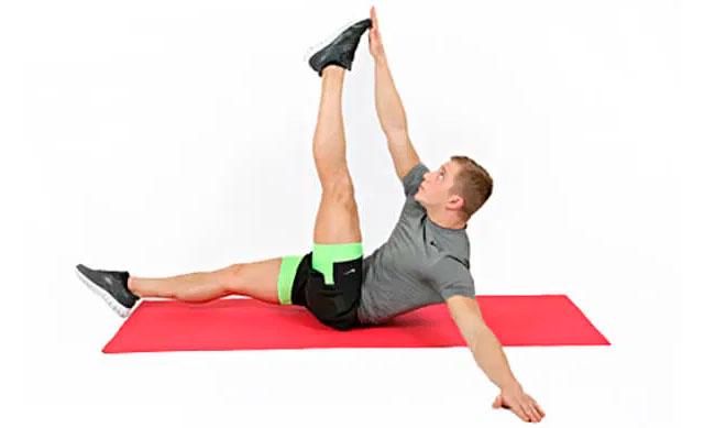 Диагональные скручивания с прямой ногой